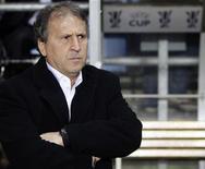 <p>Com gols dos brasileiros Fernandinho e Luiz Adriano, o ucraniano Shakhtar Donetsk venceu o CSKA Moscou, treinado por Zico, por 2 x 0, nesta quinta-feira, e avançou na Copa da Uefa. REUTERS/Darren Staples (BRITAIN)</p>