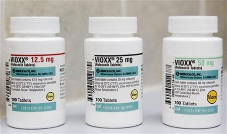 Bottles of the prescription arthritis and pain medication VIOXX sit on a shelf at a New York City Pharmacy, September 30, 2004. REUTERS/Mike Segar