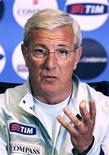 <p>O técnico da seleção italiana, Marcello Lippi, em uma coletiva de imprensa, em Coverciano. 28/03/2009. REUTERS/Giampiero Sposito</p>
