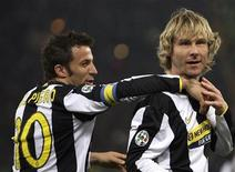 <p>Pavel Nedved e Alessandro Del Piero in una foto d'archivio. REUTERS/Max Rossi</p>