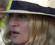 <p>A cantora Madonna chegou neste domingo em Malauí, onde nesta semana um tribunal avalia o seu pedido de adoção de uma segunda criança malauiana, uma menina chamada Mercy James, segundo autoridades.REUTERS/Eldson Chagara</p>