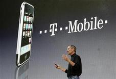 <p>Steve Jobs alla presentazione di iPhone. REUTERS/Fabrizio Bensch</p>
