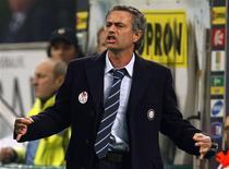 <p>Técnico da Inter de Milão, José Mourinho, durante a Série A da Itália. 15/03/2009. REUTERS/Alessandro Garofalo</p>