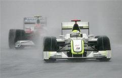<p>Il pilota Brawn GP Jenson Button al Gp di Malaysia. REUTERS/Zainal Abd Halim</p>