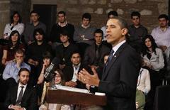 <p>Президент США Барак Обама на встрече со студентами в Культурном центре Tophane в Стамбуле 7 апреля 2009 года. США не ведут войну с исламом, сказал президент США Барак Обама мусульманскому миру, постаравшись использовать свою первую международную поездку для восстановления пострадавшего имиджа Америки за границей. REUTERS/Jason Reed</p>