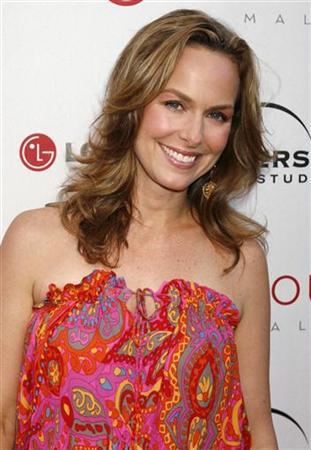 Actress Melora Hardin, one of the stars of the comedy series ''The Office'' poses at the Universal Media Studios Emmy party celebrating the studio's Emmy nominees in Malibu, California August 2, 2007. REUTERS/Fred Prouser