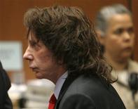 <p>Produtor musical Phil Spector é condenado por homicídio doloso em Los Angeles. 13/04/2009. REUTERS/Al Seib</p>