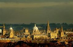 <p>The rooftops of the university city of Oxford are seen from the south west, January 22, 2003. REUTERS/Peter Macdiarmid</p>
