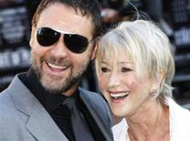 """<p>Ator neozelandês Russel Crowe e a atriz britânica Helen Mirren na estreia de """"Intrigas de Estado"""" em Leicester Square em Londres. 21/04/2009. REUTERS/Stephen Hird</p>"""