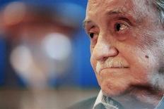 <p>Foto de arquivo do escritor uruguaio Mario Benedetti em Montevidéu. 28/03/2008. REUTERS/Andres Stapff/Arquivo</p>