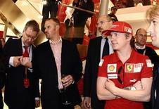 <p>Piloto da Ferrari de Fórmula 1 Kimi Raikkonen da Finlândia em Londres. 06/05/2009. REUTERS/Toby Melville</p>