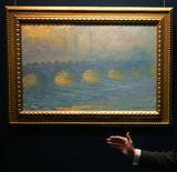 <p>Christie's, impressionisti venduti bene anche con crisi. Nella foto d'archivio un celebre quadro di Claude Monet a un evento organizzato da Christie's sui pittori impressionisti. REUTERS/Paul Yeung</p>