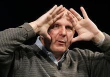 """<p>O presidente-executivo da Microsoft, Steve Ballmer, diz que vê oportunidades para trabalhar com o Yahoo na criação de um """"produto melhor de busca"""". REUTERS/Robert Galbraith</p>"""
