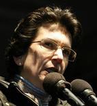 <p>Лидер грузинской оппозиции Нино Бурджанадзе на демонстрации в Тбилиси 6 мая 2009 года. Лидеры грузинской оппозиции после стычек с полицией накануне заявили в четверг о готовности к диалогу с руководством страны после того как представитель ЕС осудил действия оппонентов власти. REUTERS/David Mdzinarishvili</p>