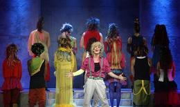 "<p>Foto de arquivo dos atores do musical ""Hair"". 19/01/2009. REUTERS/Benoit Tessier</p>"