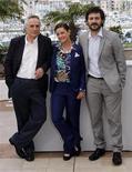 """<p>Da sinistra, il regista Marco Bellocchio a Cannes con Giovanna Mezzogiorno e Filippo Timi protagonisti del film """"Vincere"""" al 62esimo Festival del cinema di Cannes. REUTERS/Jean-Paul Pelissier</p>"""