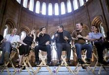 "<p>Actors (L-R) Owen Wilson, Amy Adams, Ben Stiller, Robin Williams, Ricky Gervais and Hank Azaria answer reporters' questions in the Smithsonian Castle during a news conference to discuss their new movie, ""A Night at the Museum: Battle of the Smithsonian"" in Washington May 15, 2009. REUTERS/Robert Giroux</p>"