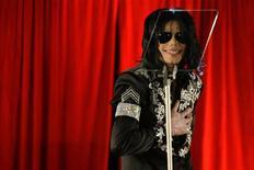<p>Foto de arquivo do cantor pop norte-americano Michael Jackson em uma coletiva de imprensa em Londres. 05/03/2009. REUTERS/Stefan Wermuth</p>