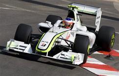 <p>Brasileiro Rubens Barrichello, da Brawn GP de Fórmula 1, durante o treino em Mônaco. 21/05/2009. REUTERS/Max Rossi</p>