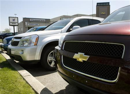 General Motors of Canada vehicles are shown at a dealership in Toronto May 20, 2009. The U.S. Treasury Department has no plans to push General Motors into a bankruptcy filing next week and the outcome of the automaker's restructuring efforts may not be known until a June 1 deadline, a source familiar with the situation said early on Friday. REUTERS/ Mike Cassese