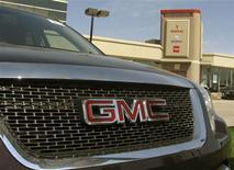 <p>General Motors of Canada vehicles are shown at a dealership in Toronto May 20, 2009. REUTERS/ Mike Cassese</p>