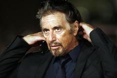 """<p>Foto de archivo del actor y director estadounidense Al Pacino durante el estreno de su cinta """"Chinese Coffee"""" en el Festival de Cine de Roma, 22 oct 2008. Al Pacino se encuentra en conversaciones para protagonizar """"You Don't Know Jack"""", película sobre el asesino convicto Jack Kevorkian, el tristemente famoso defensor del suicidio con asistencia médica. REUTERS/Dario Pignatelli</p>"""