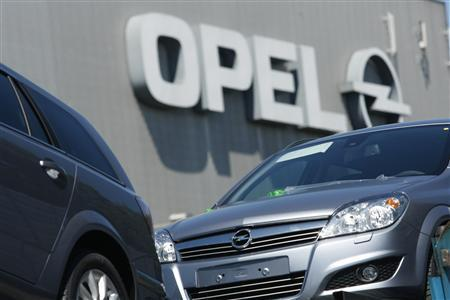 New Opel cars are pictured at the Opel plant in Bochum May 29, 2009. REUTERS/Ina Fassbender