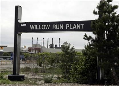 General Motors Willow Run Powertrain plant is seen in Ypsilanti, Michigan June 2, 2009. GM said Monday it would permanently close nine more plants, including the historic Willow Run plant, and idle three others to trim production and labor costs under bankruptcy protection. REUTERS/Rebecca Cook
