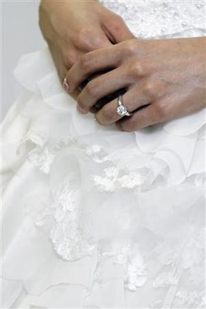 A diamond ring is seen at a bridal show in a file photo. REUTERS/File