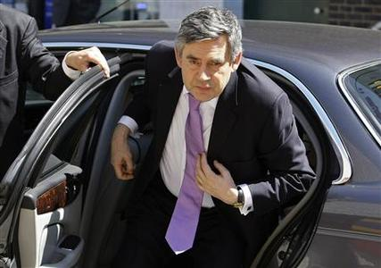 Britain's Prime Minister Gordon Brown arrives at the Golden Lane Children's Center in London June 2, 2009. REUTERS/Stefan Wermuth