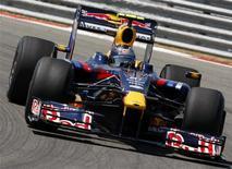<p>Sebastian Vettel, da Red Bull, completa volta em treino classificatório para o GP da Turquia. O alemão será o pole e Barrichello o terceiro. REUTERS/Pascal Lauener</p>