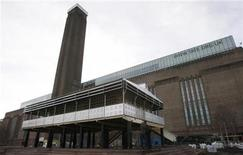 "<p>An example of modernist architecture, the ""La Maison Tropicale"" is pictured outside the Tate Modern Gallery in London February 1, 2008. REUTERS/Stephen Hird</p>"