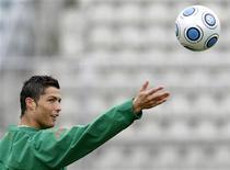 <p>Foto de arquivo de Cristiano Ronaldo. 30/03/2009. REUTERS/Denis Balibouse/Arquivo</p>
