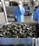 <p>Pellet di uranio. REUTERS/Shamil Zhumatov</p>