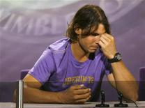 <p>Nadal in conferenza stampa a Wimbledon. REUTERS/John Voos</p>