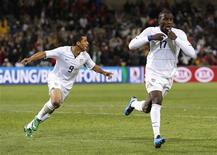 <p>Jozy Altidore of the U.S. (R) celebrates with team mate Charlie Davies after scoring a goal during their Confederations Cup semi-final soccer match against Spain at the Free State Stadium in Bloemfontein, June 24, 2009. REUTERS/Jerry Lampen</p>