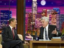 <p>Jay Leno e il presidente Usa Barack Obama nella sua trasmissione. REUTERS/Larry Downing</p>