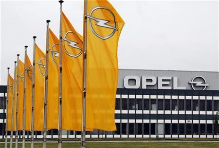A general view of the main entrance of the Opel assembly plant in Antwerp June 15, 2009. REUTERS/Thierry Roge