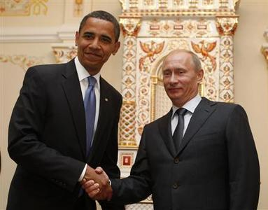 U.S. President Barack Obama (L) meets Russian Prime Minister Vladimir Putin in Moscow July 7, 2009. REUTERS/Jim Young