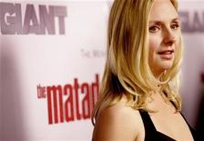 "<p>Cast member Hope Davis attends the Los Angeles premiere of ""The Matador"" at the Westwood Crest theatre in Los Angeles December 11, 2005. REUTERS/Mario Anzuoni</p>"