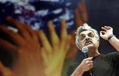 <p>Pakistani writer Tariq Ali speaks during the III World Social Forum in Porto Alegre, January 24, 2003. REUTERS/Sergio Moraes</p>