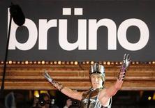 """<p>Ator Sacha Baron Cohen na estreia de seu novo filme """"Bruno"""" em Sydney. 29/06/2009. REUTERS/Daniel Munoz</p>"""