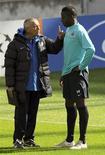 <p>O lateral-esquerdo francês Aly Cissokho, que estava no Porto, se transferiu para o Olympique Lyon por 15 milhões de euros, informou o clube português. SOCCER-AFRICA/TALENT REUTERS/Stringer/Files (PORTUGAL SPORT SOCCER)</p>