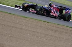 <p>Una Toro Rosso gareggia in Formula One a Silverstone. REUTERS/Nigel Roddis (BRITAIN SPORT MOTOR RACING)</p>