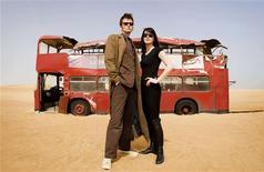 """<p>Foto de archivo del David Tennant (Doctor Who) y Michelle Ryan (Lady Christina), miembros del elenco de """"Doctor Who: Planet of the Dead"""". El Doctor Who es visto a menudo como el personaje inglés por excelencia, un excéntrico valiente que lucha contra Daleks y Cybermen con la ayuda de su máquina del tiempo TARDIS, que tiene forma de cabina de policía de Londres de la década de 1950. REUTERS/BBC Worldwide/Handout</p>"""