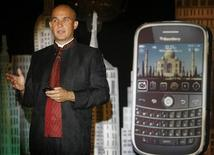"<p>Jim Balsillie, co-chief executive of Research In Motion (RIM), speaks during a news conference to launch the new ""Blackberry Bold"" handset in Mumbai September 18, 2008. REUTERS/Punit Paranjpe</p>"