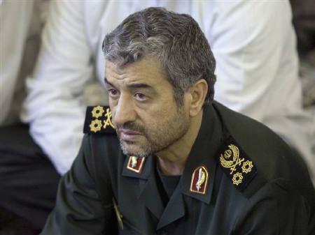 Iran's Revolutionary Guards commander Mohammad Ali Jafari attends Friday prayer in Tehran September 14, 2007. REUTERS/Morteza Nikoubazl