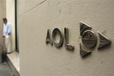 <p>Logotipo da AOL na sede da empresa, em Nova York. A Time Warner pagou 283 milhões de dólares pela participação de 5 por cento do Google na AOL, informou a companhia de Internet.</p>