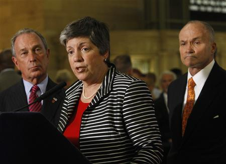 Homeland Security Secretary Janet Napolitano speaks to the media with New York City Mayor Michael Bloomberg (L) and New York Police Commissioner Ray Kelly (R) at Grand Central Station in New York July 29, 2009 REUTERS/Brendan McDermid