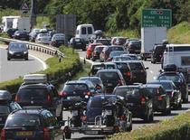 <p>Una coda autostradale. REUTERS/Fiorenzo Maffi (SWITZERLAND TRAVEL SPORT MOTOR RACING)</p>